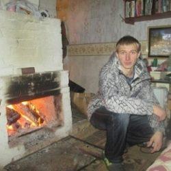 Симпатичный парень из Сургут ждет приглашения в гости от девушки для интима