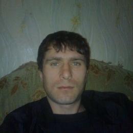 Я приятный и красивый студент. Ищу стройную и красивую девушку в Сургуте для секса