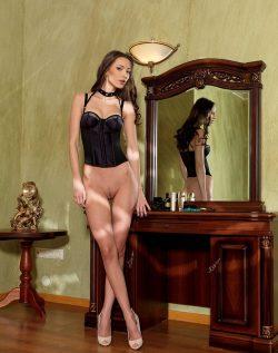 Девушка с сочными формами, хочет познакомиться с парнем в Сургуте для нечастых встреч.