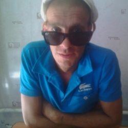 Парень из Сургут. Встречусь для секса  с худенькой и симпатичной девушкой